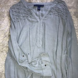 Blouse with Adjustable Sleeves